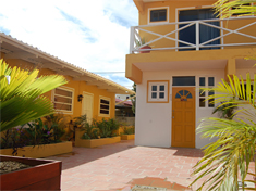 Bonaire accommodations budget - The dive hut bonaire ...